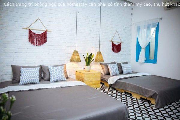 Phòng ngủ dành cho cặp bạn thân thường có nhiều phụ kiện trang trí kiểu dáng tương đồng