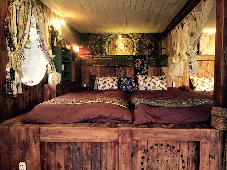 Toàn bộ các họa tiết trang trí phòng ngủ hình thổ cẩm theo phong cách boho