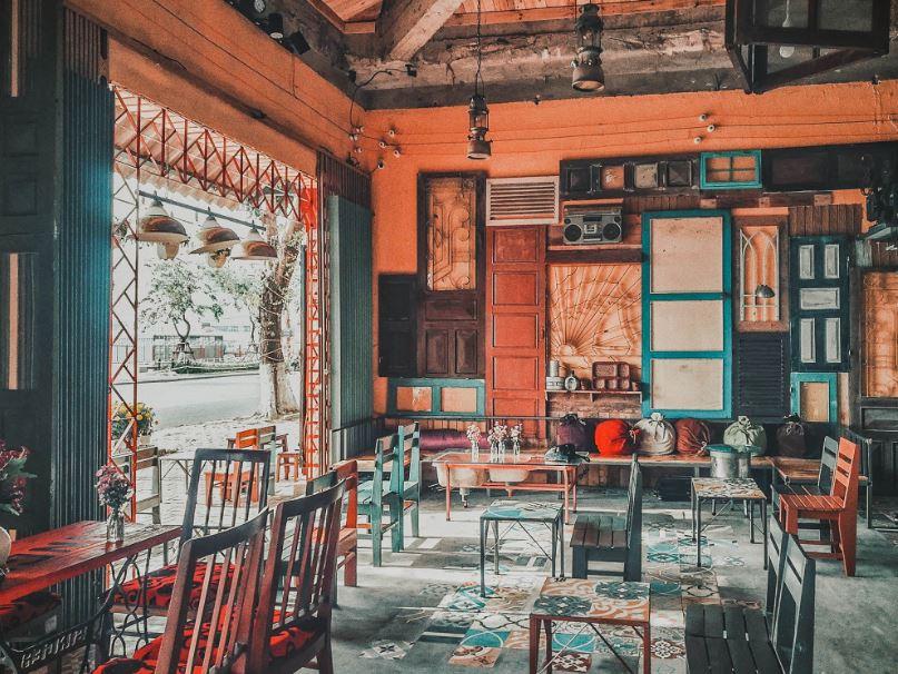 Bạn có thể thiết kế quán cafe bình dân theo phong cách hoài cổ hấp dẫn