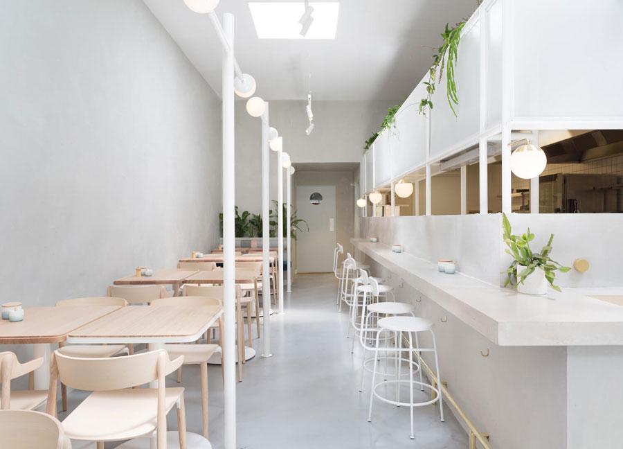 Bạn có thể lựa chọn những thiết kế hiện đại cho quán cafe