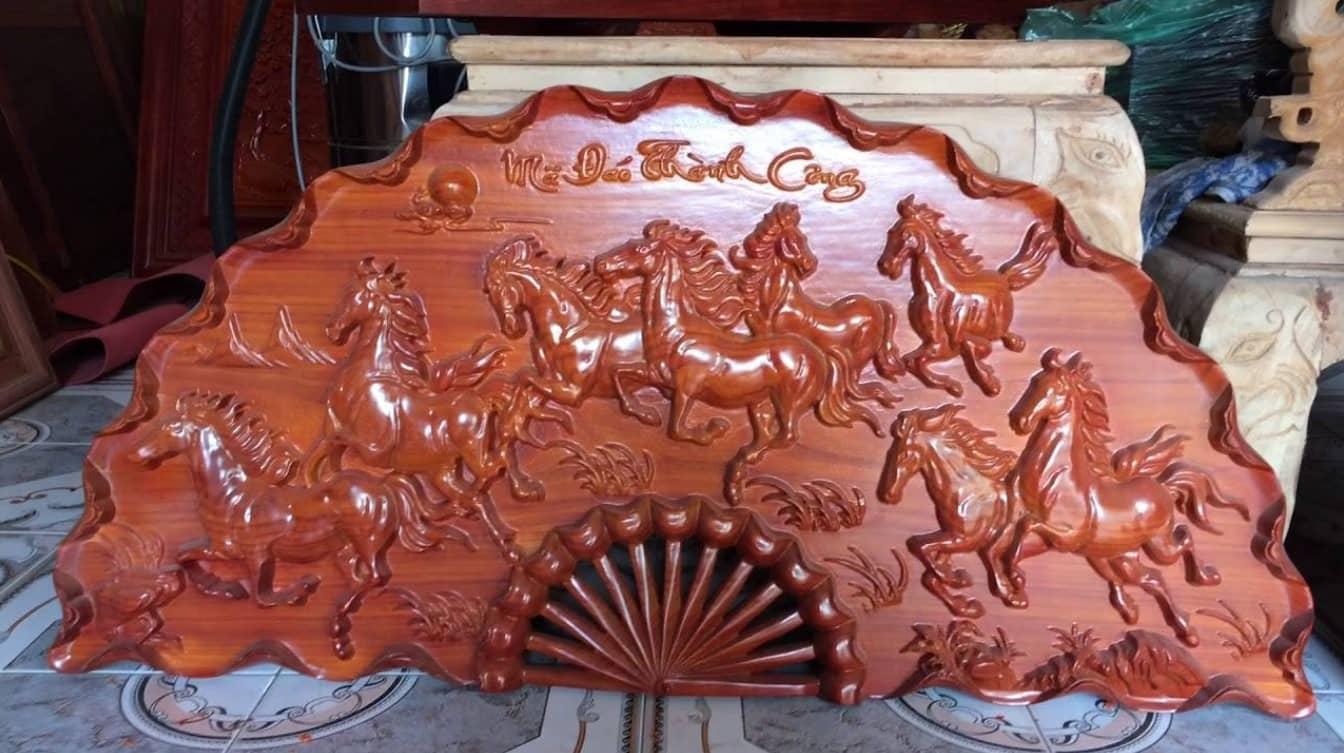 Tranh phong thuỷ khắc gỗ Mã Đáo Thành Công