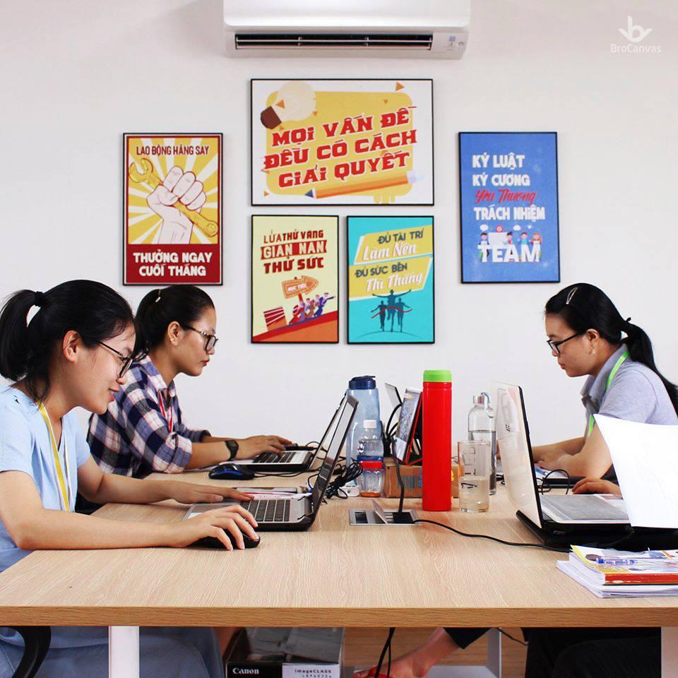 Tranh văn phòng Hồ Chí Minh sẽ làm thay đổi không gian làm việc của bạn