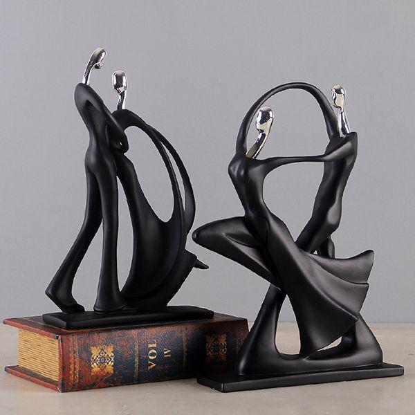 Những bức tượng nghệ thuật góp phần tạo nên sự tinh tế cho không gian