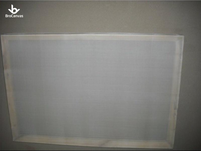 Vải lụa mịn, mỏng, không bị lỗi dùng để vẽ tranh