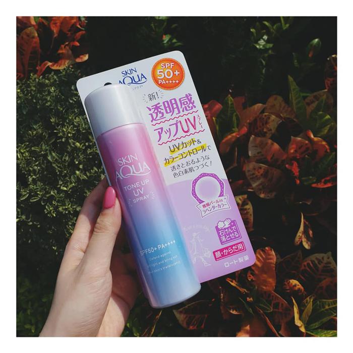Xịt chống nắng Skin Aqua Tone up UV 18g Nhật Bản