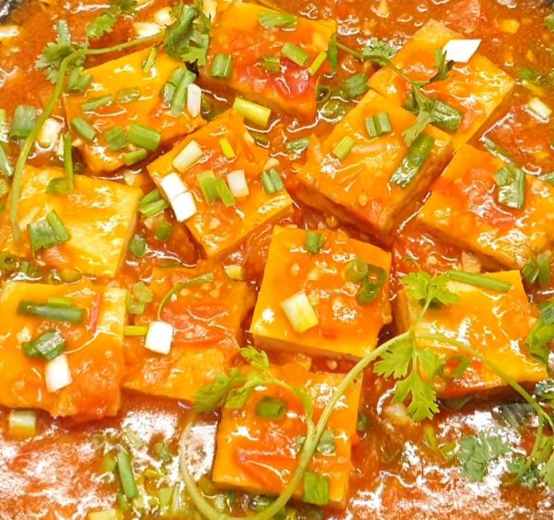 Món chay thông dụng đậu hũ sốt cà chua
