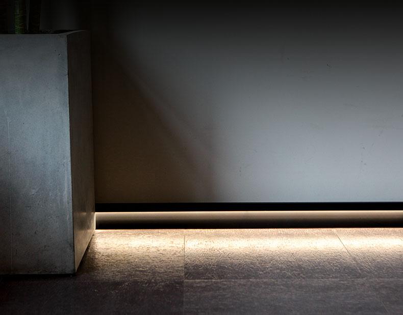 Phào chân tường gắn đèn Led ETH01