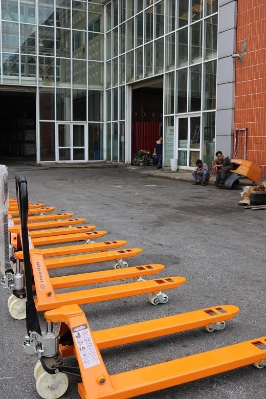 Xe nâng tay 2 - 5 tấn hiệu Interlift đủ tiêu chuẩn xuất châu Âu