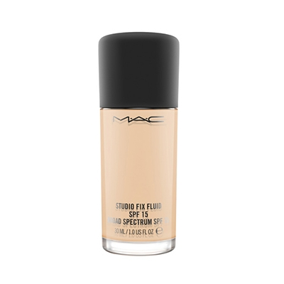 Phấn Studio Fix Fluid SPF15 Foundation