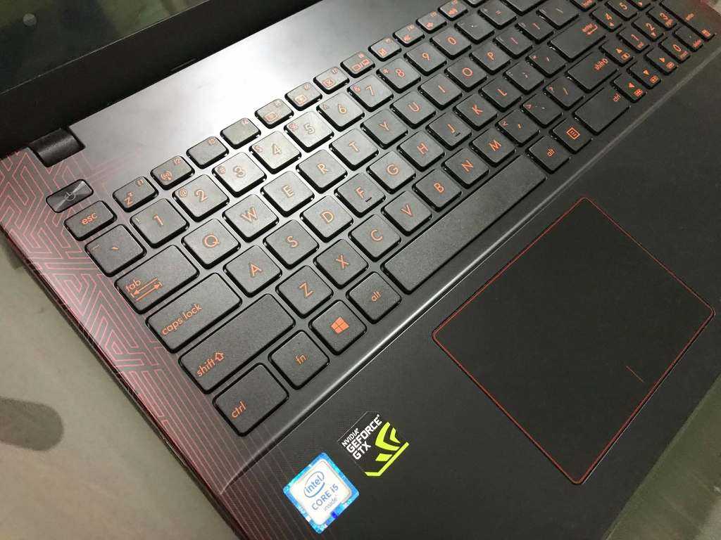 Asus K550VX DM376D Core™ i5 _ 6300HQ _8GB _120GB SSD+ 640GB HDD _GeForce® GTX950M 2GB GDDR5 _FHD _24116S