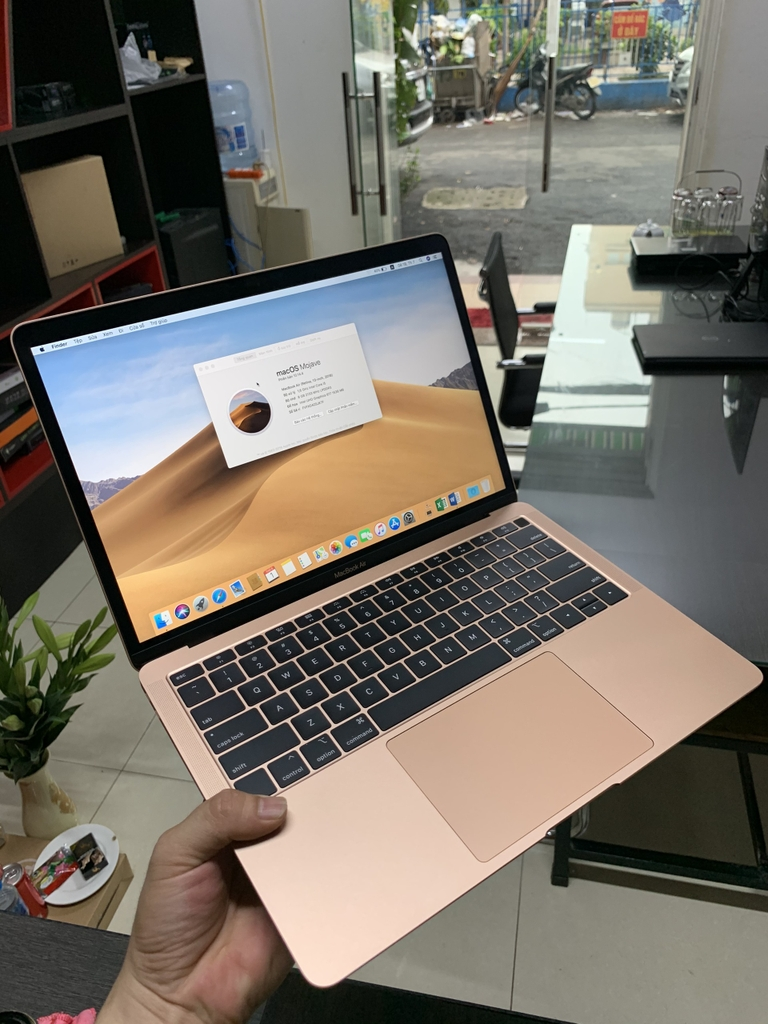 MacBook Air (Retina, 13 inch, 2018)