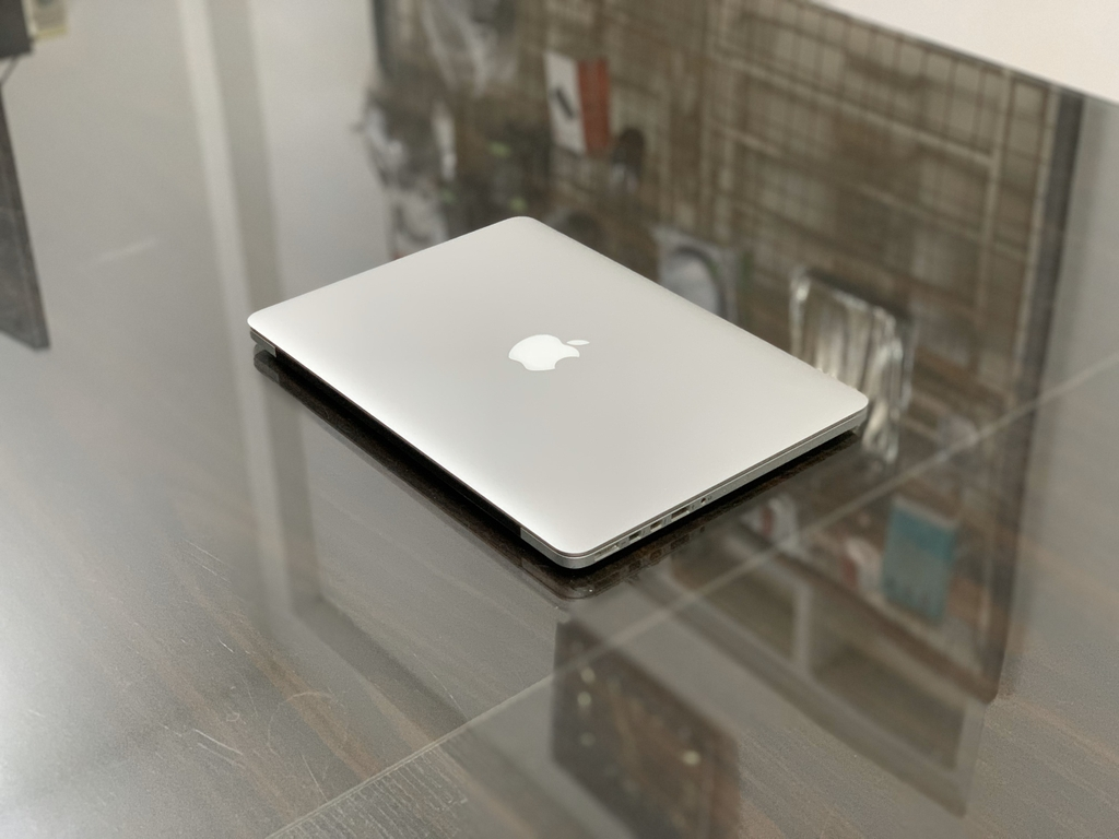 Macbook Retina 13'' -2015 - MF840 - I5 8GB 256GB  Cũ