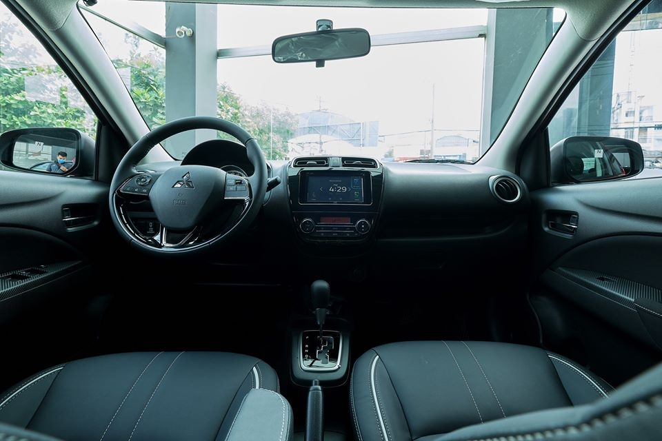 nội thất của xe mitsubishi attrge 2020