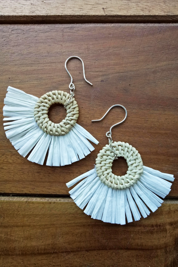 Bông tai Circle Feather Rattan Silver Earings/ White