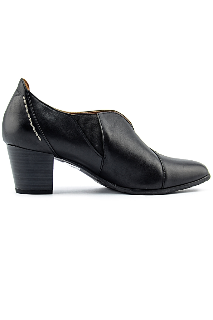 CAPRICE (germany) Leather Ankle Boots/ Black