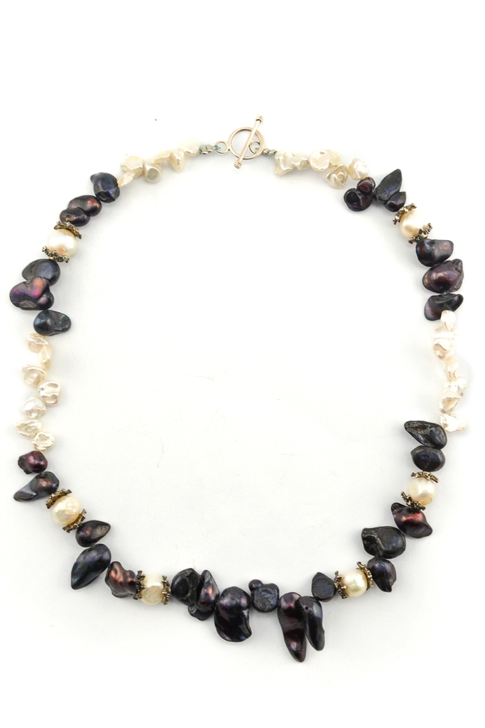 Vòng cổ Night Butterfly Pearl Necklace