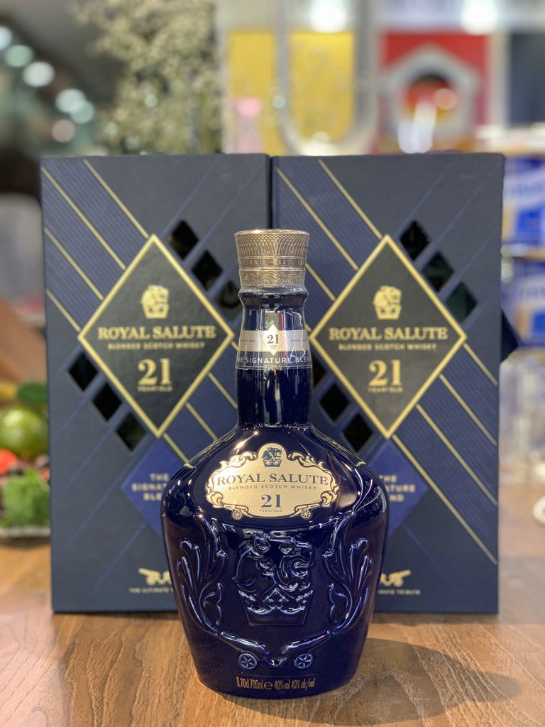 RƯỢU CHIVAS 21 ROYAL SALUTE SIGNATURE BLEND