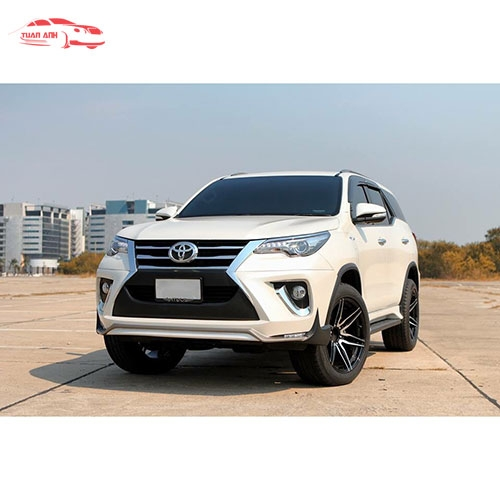 Body Kit xe Fortuner 2017