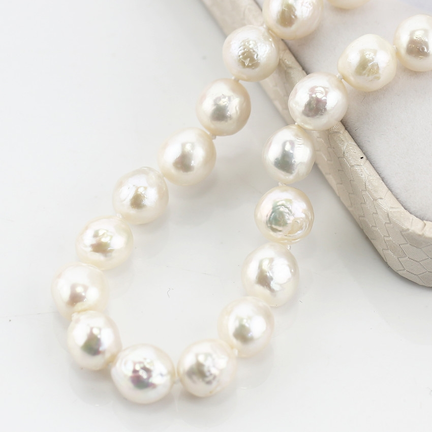 Mixed color  pearl necklace