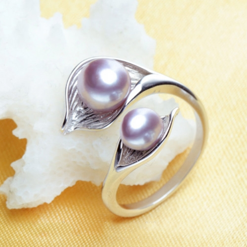 Pearl & 925 silver ring