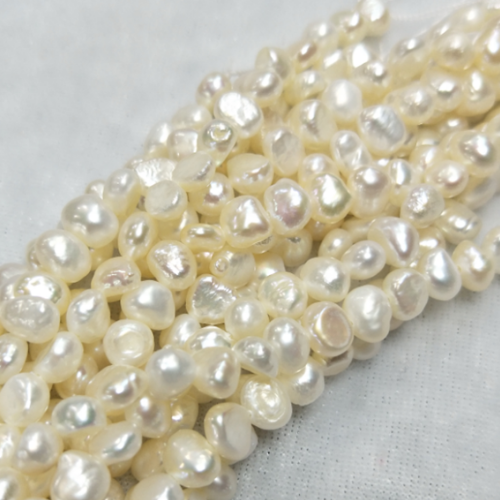 5mm baroque pearl strand