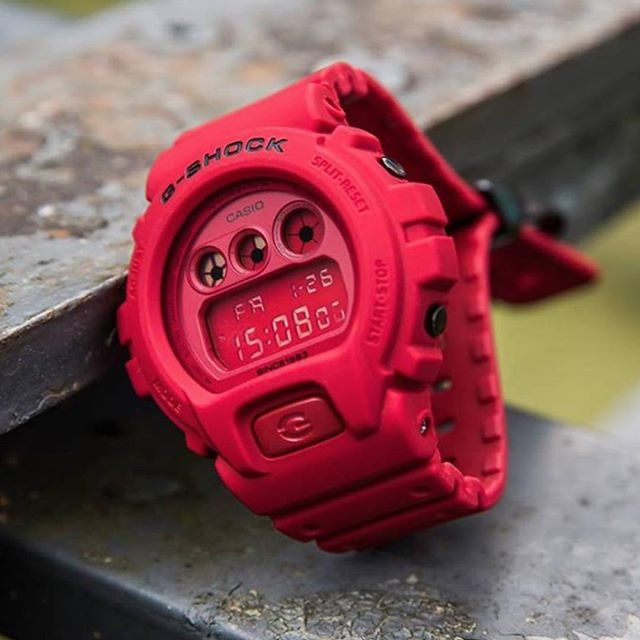 G-SHOCK DW-6935C-4 RED-OUT 35TH ANNIVERSARY LIMITED EDITION