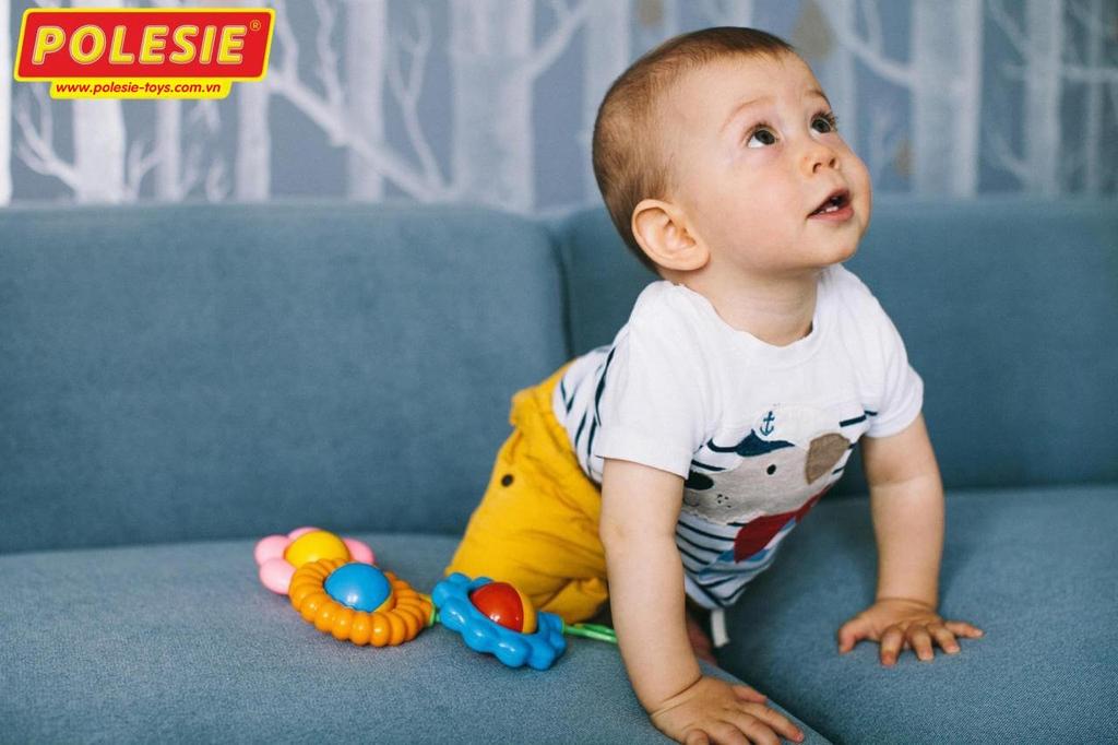 bé và Xúc xắc hoa thanh cúc đồ chơi 45591 Poleie Việt Nam