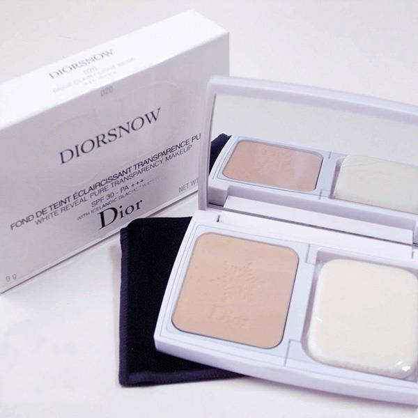Phấn phủ Dior snow White Reveal Pure Transparency