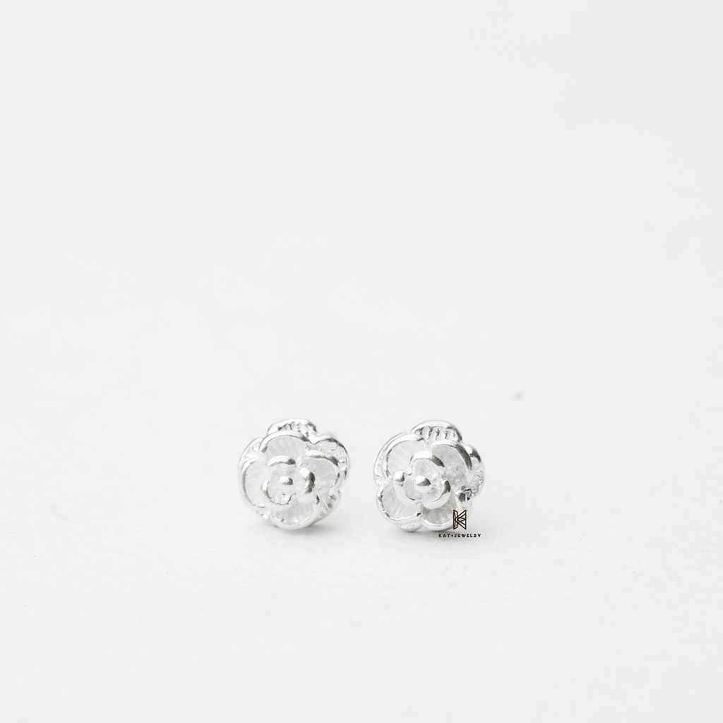 E STUD SMALL FLOWER SLEEK