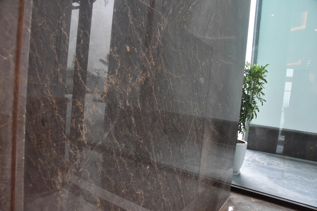 ĐÁ MARBLE GREY SONATA ỐP SẢNH CHECK IN FLC GRAND HẠ LONG