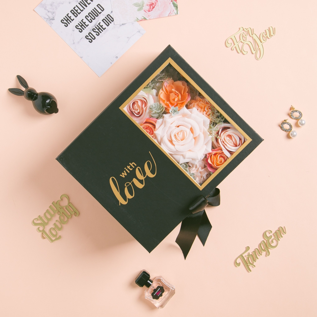 Love Box - Chloe