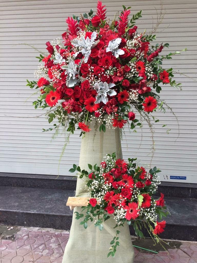 Kết quả hình ảnh cho lẵng hoa đứng đẹp
