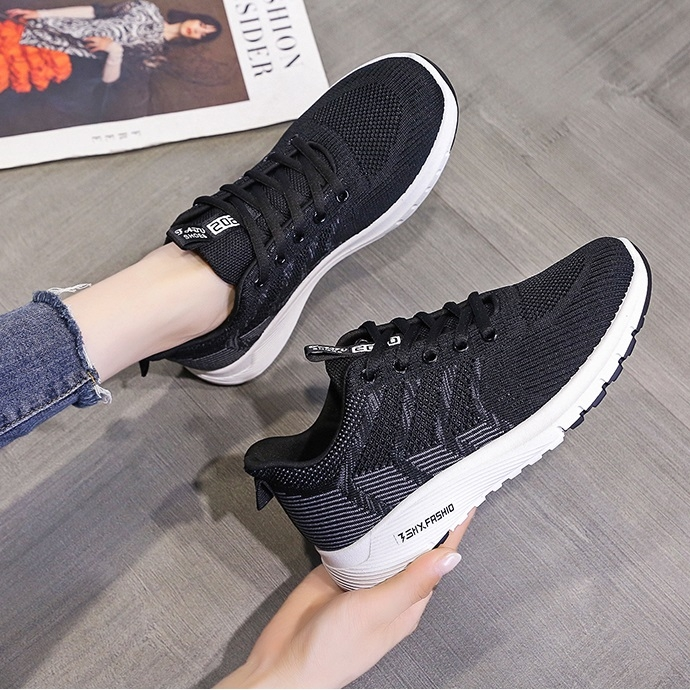 Giày sneaker nữ 17DXW05