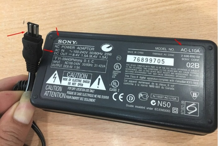 Adapter Original SONY AC-L10A 8.4V 1.5A Charger POWER SUPPLY CD200 AC-L10A