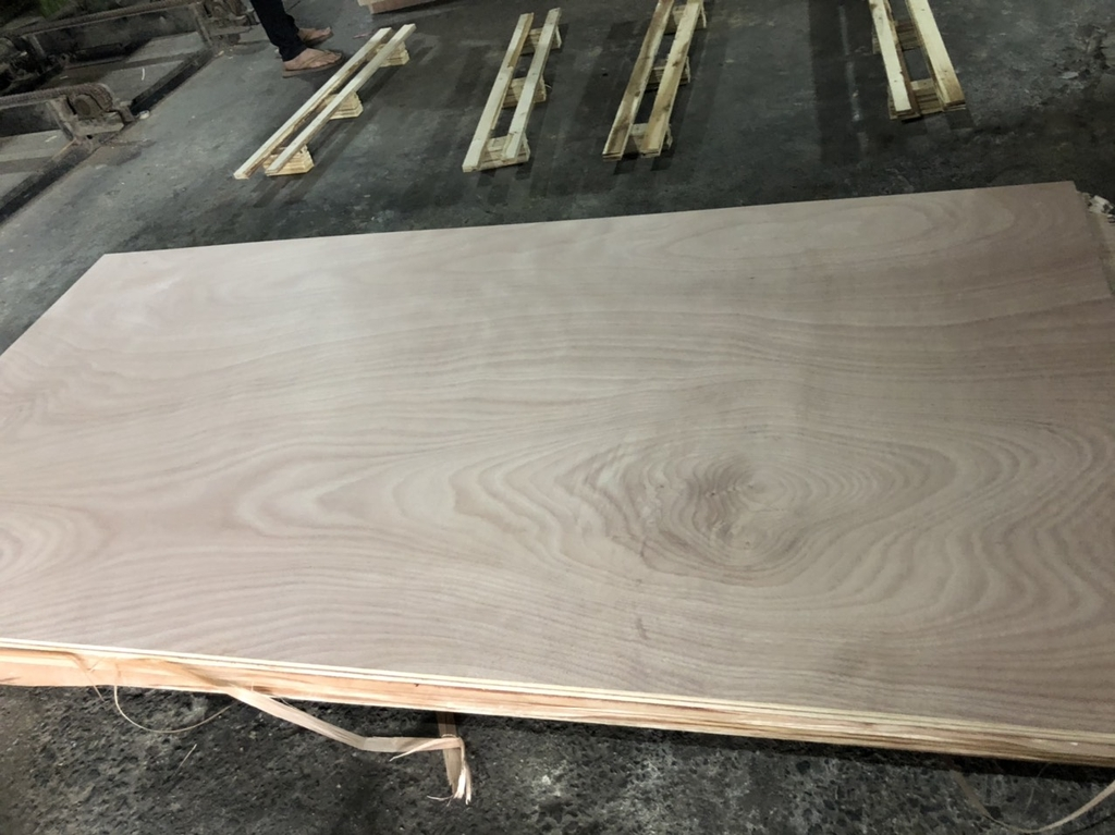 OKUME FACE/BACK PLYWOOD 3mm to 18mm x 1220mm x 2440mm