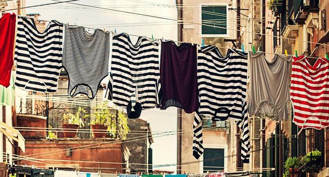 6 cách làm quần áo khô nhanh trong 5 phút và không bị hôi