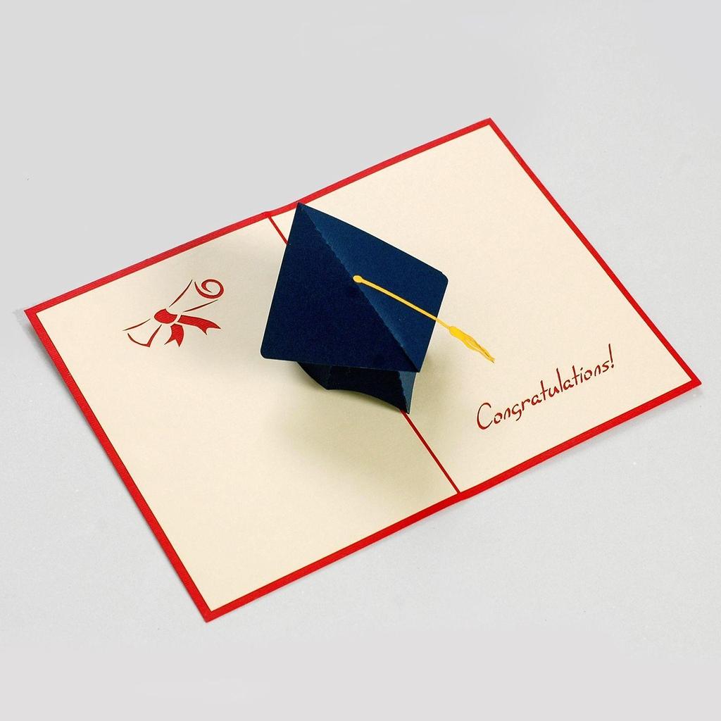 thiệp giấy nổi mũ tốt nghiệp