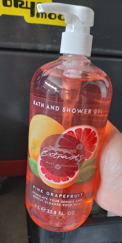 Bath and shower gel Creightons Extract