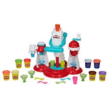 Play-Doh Kitchen Creations Ultimate Swirl Ice Cream Maker Food Set