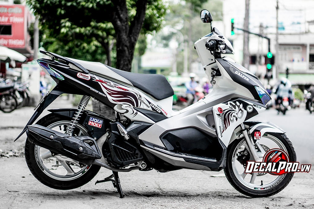 Tem xe AIR BLADE 2016 BLACKWHITE CHICKEN