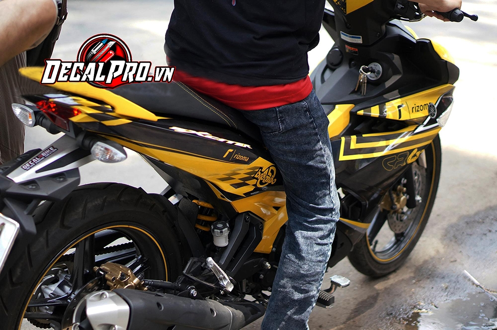 Tem xe Exciter 150 CRG Racing Yellow