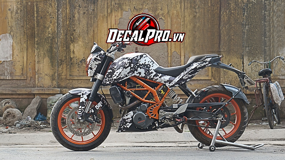 Tem xe KTM DUKE CAMO IN DIGITAL