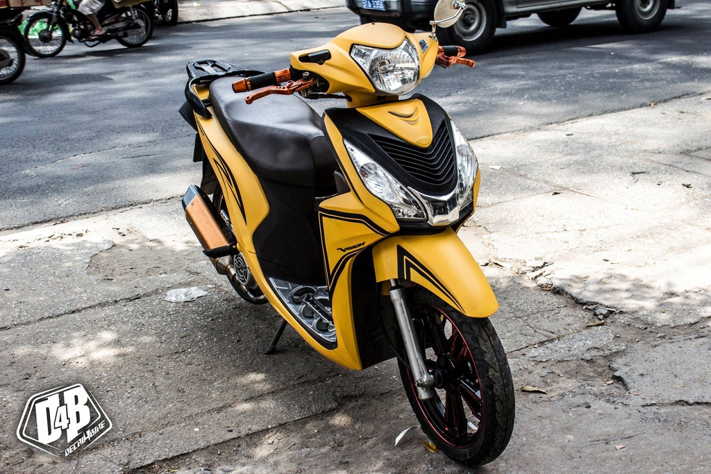 Tem xe Vision Yellow Black Line