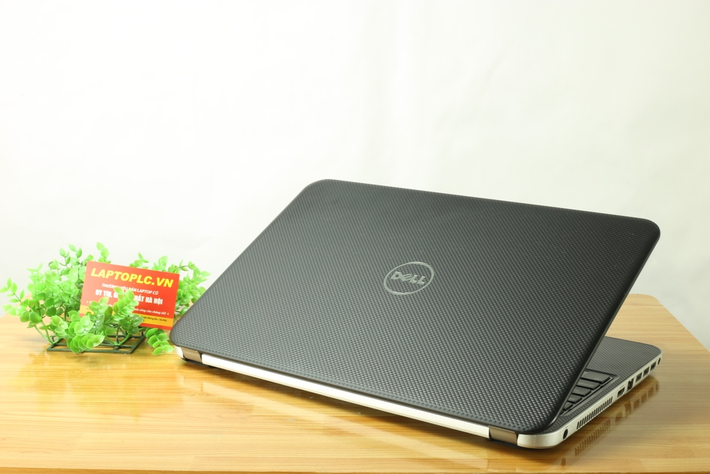 Dell Vostro 2521 ( i3-3227U, RAM 4G, SSD 128Gb, card on Intel HD 4000, màn 15.6 HD )