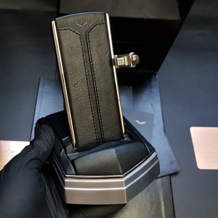 Dock sạc Vertu Quest Full Box