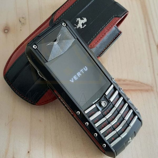 Vertu Ascent X Ceramic Ferrari Red LIMITED EDITION
