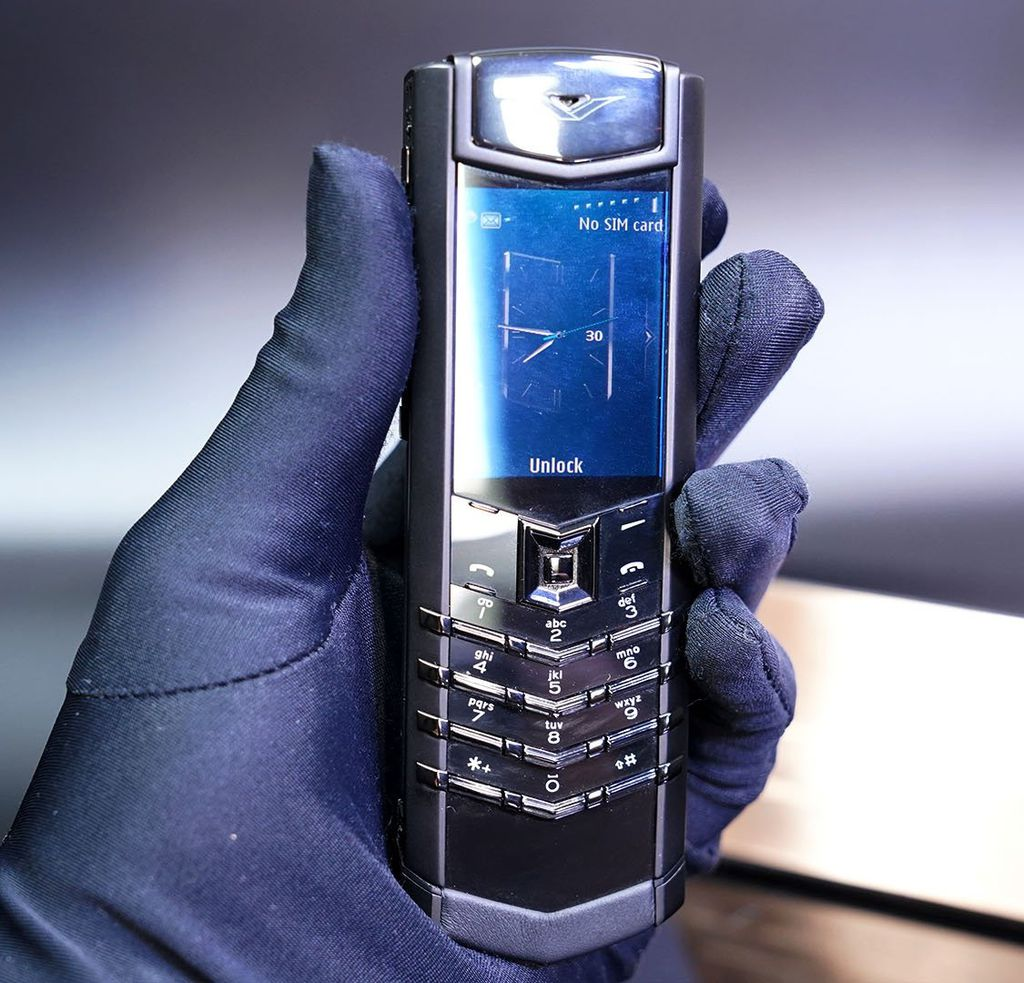 Vertu Signature S Black