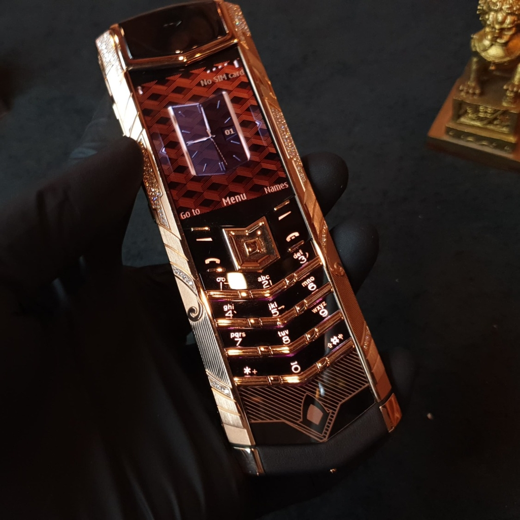 Vertu Signature S Gold Diamond Guan Yu