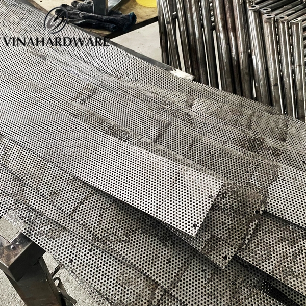 Fabrication of honeycomb mesh