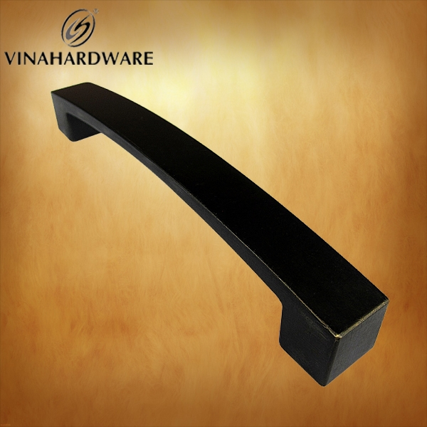 Tay nắm tủ / Cabinet handle HD0243